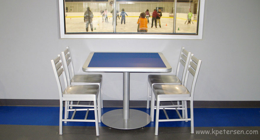 Aluminum Restaurant Chair Cast Aluminum Seat Ice Rink Installation